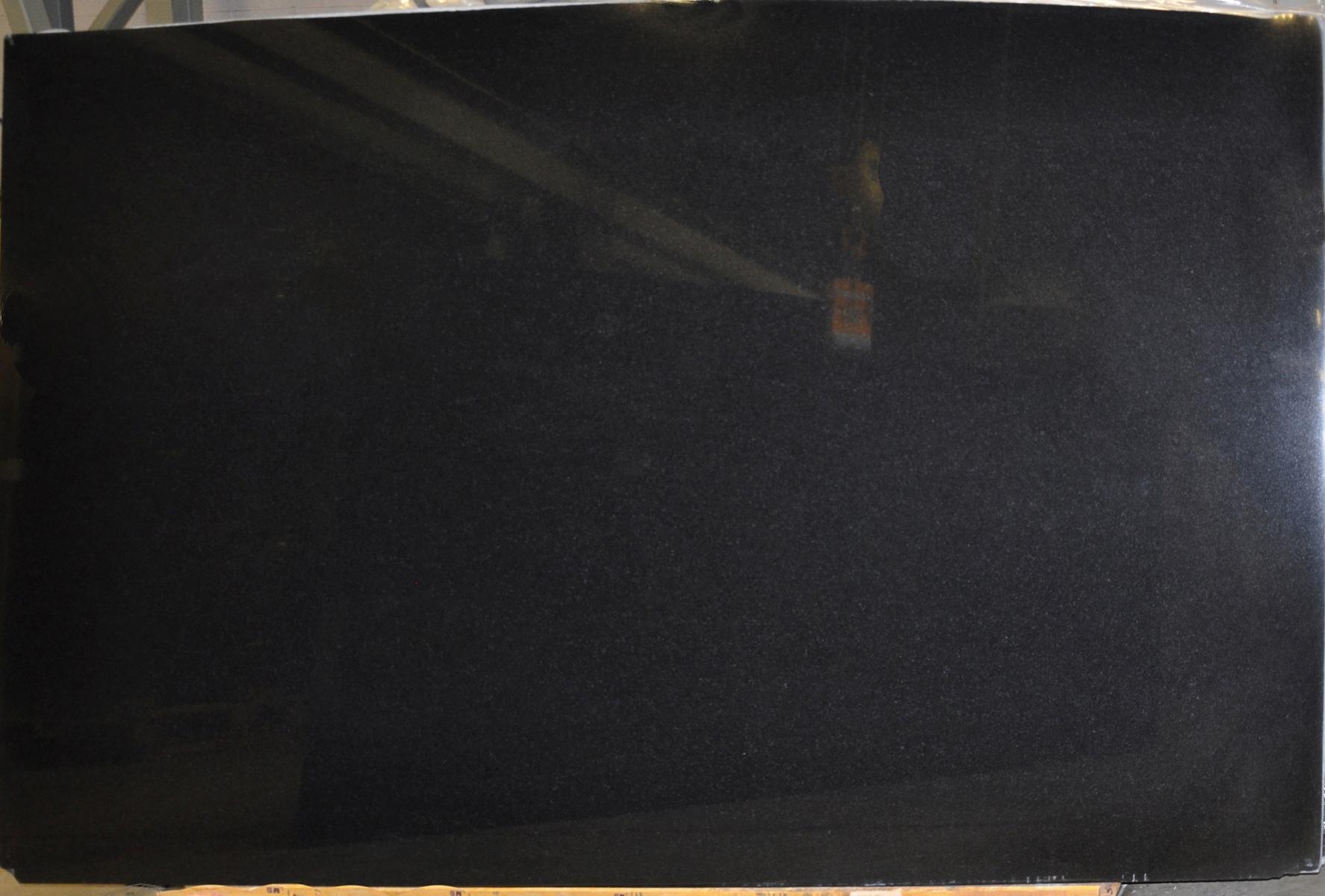 Black Absolute 2 cm lot (31)