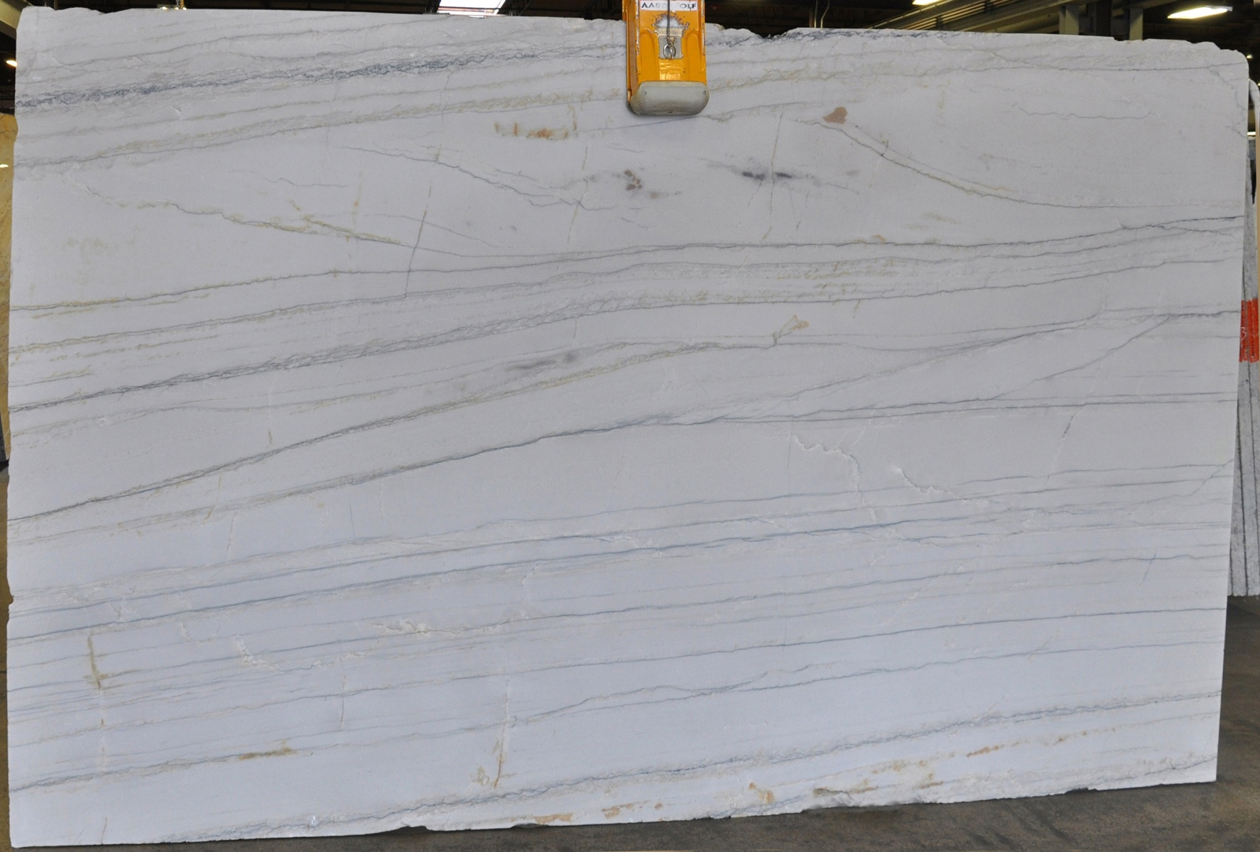 White Macaubas 3 cm lot (6)